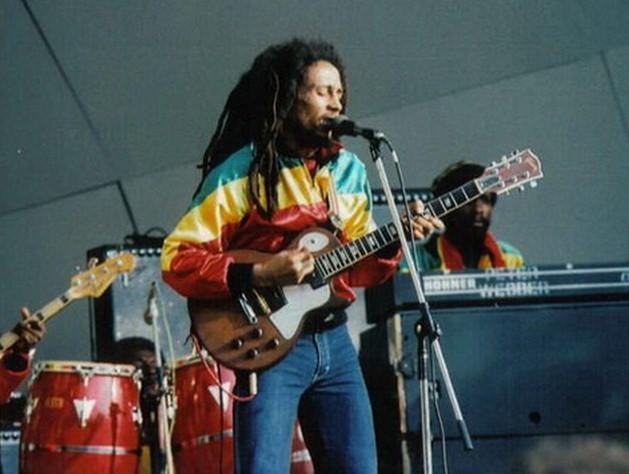 Боб Марли - великий певец и композитор!