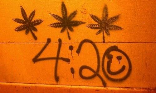 420 на стене